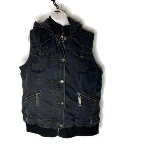 Maurices Denim Vest Womens 2 zipper front Pockets